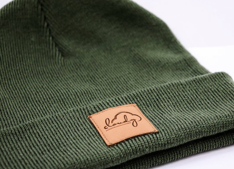 "Beanie ""cloudy"" olive green/ leather patch"