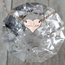Load image into Gallery viewer, Tiny pendant heart necklace
