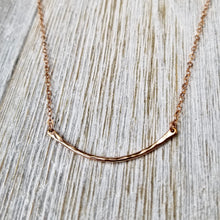 Load image into Gallery viewer, Hammered curve necklace