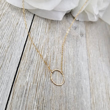 Load image into Gallery viewer, Hammered circle necklace