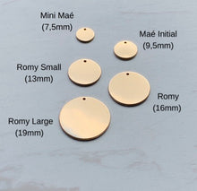 Load image into Gallery viewer, Romy Small Disc necklace