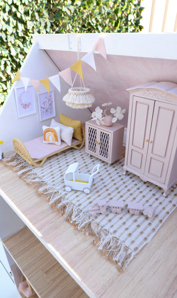 Everything you need to know about making over a DOLLHOUSE!