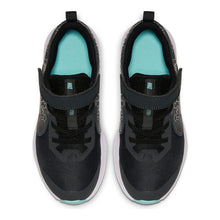 Load image into Gallery viewer, Nike Kids' Grade School Team Hustle Quick 2 Shoes, Boys', Blue