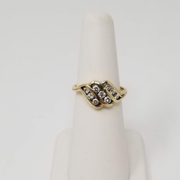 Cocktail Ring - 9 Round Brilliant Diamonds - Size 6.75 - 14K Yellow Gold