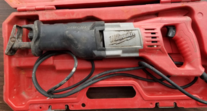 Milwaukee Corded 6519-30 12 Amp Sawzall w/ Case