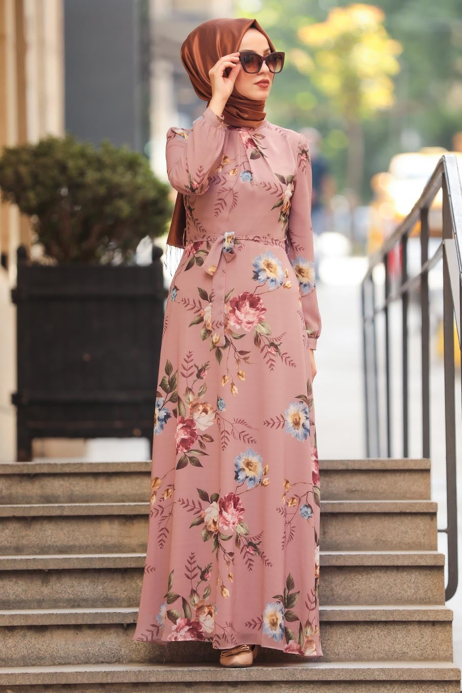 Women's Floral Pattern Powder Rose Modest Dress