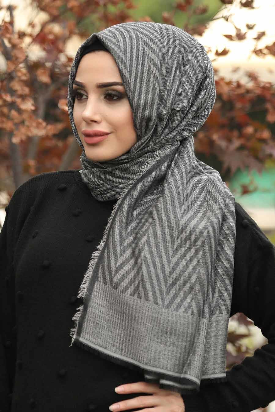 Women's Zig Zag Pattern Grey Shawl