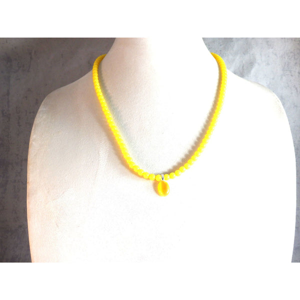 Yellow acrylic beaded necklace and catseye pendant  1800 - celtic-mink-jewelry