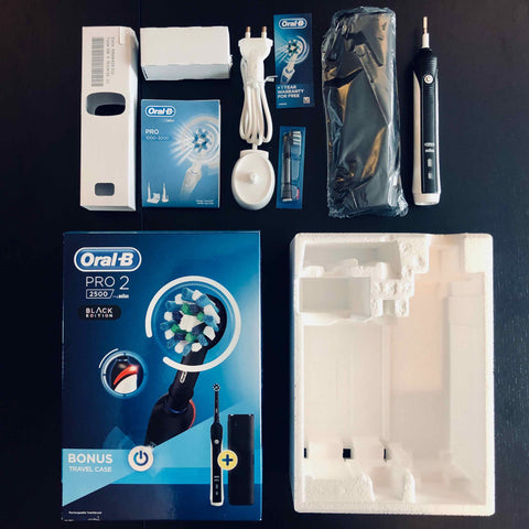 Oral B 2500 Pro 2 box contents