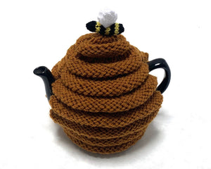 Handknit tea cosy and teapot