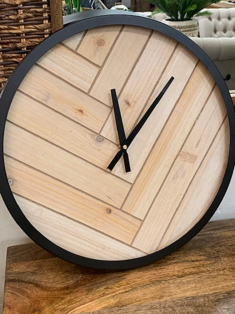 Wilder chevron clock