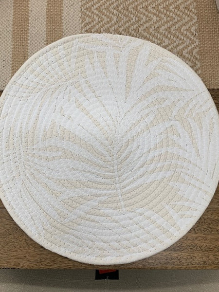 Printed leaf round placemat