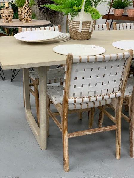 Hoop leg table