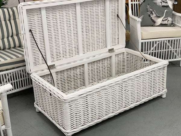 Woven storage trunk / coffee table
