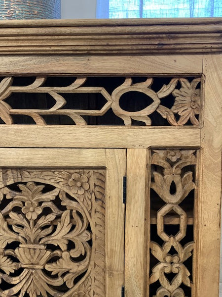 Carved natural sideboard with 2 doors