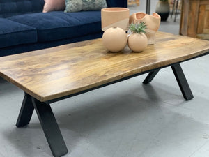 Live edge coffee table (natural)