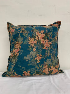 Floral velvet cushion- Blue
