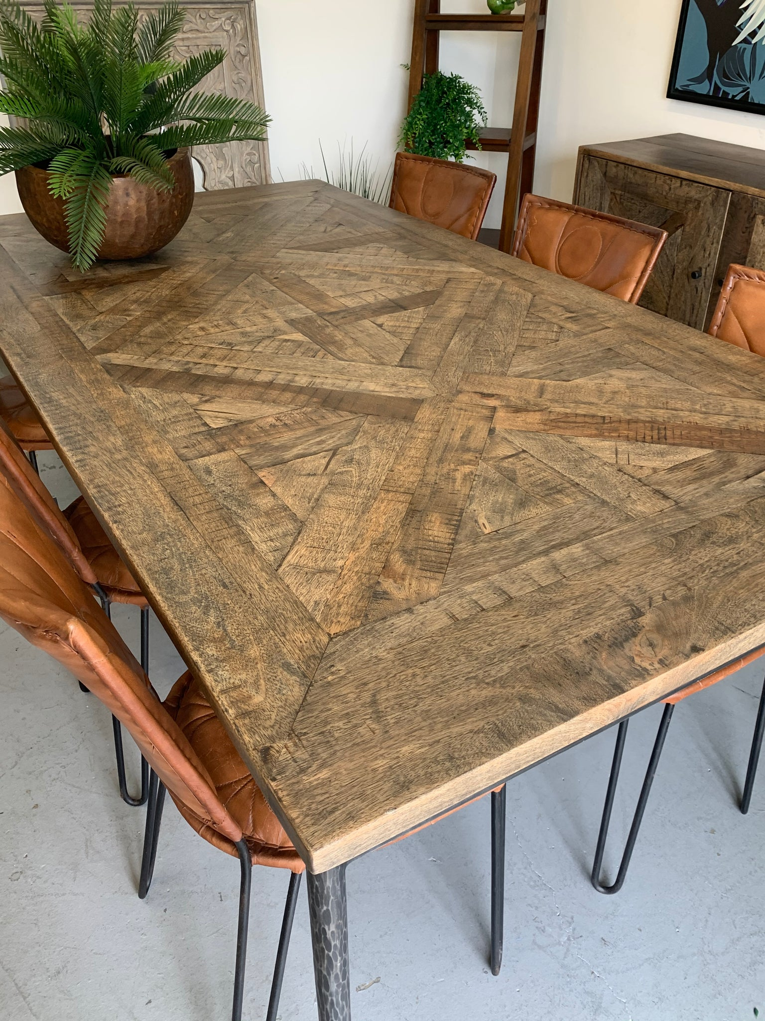 Sisco dining table