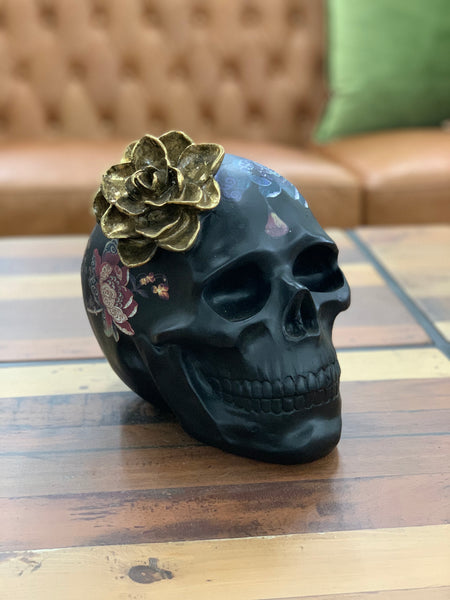 Resin skull with flower - large