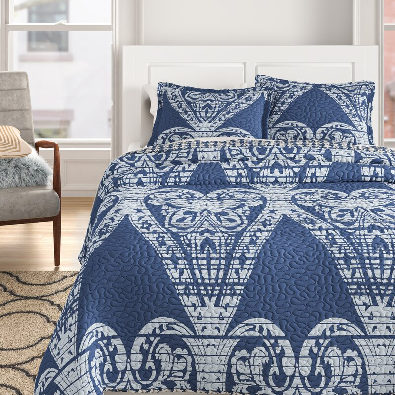 QUEEN Napoli Reversible Quilt Set in Blue/White  #4303
