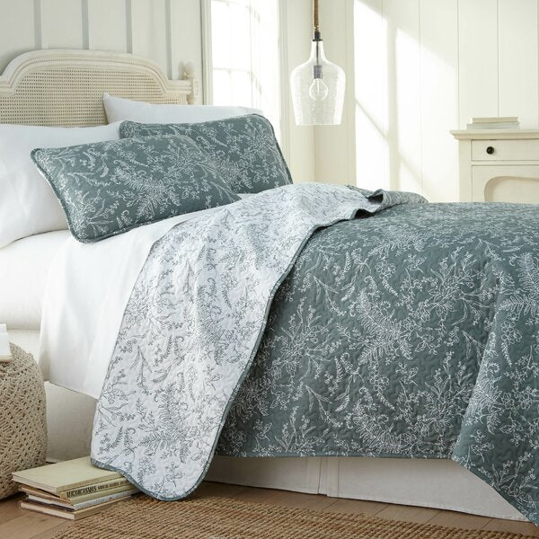 FULL/QUEEN - Pinar Print Reversible Quilt Set in Green       #tar588