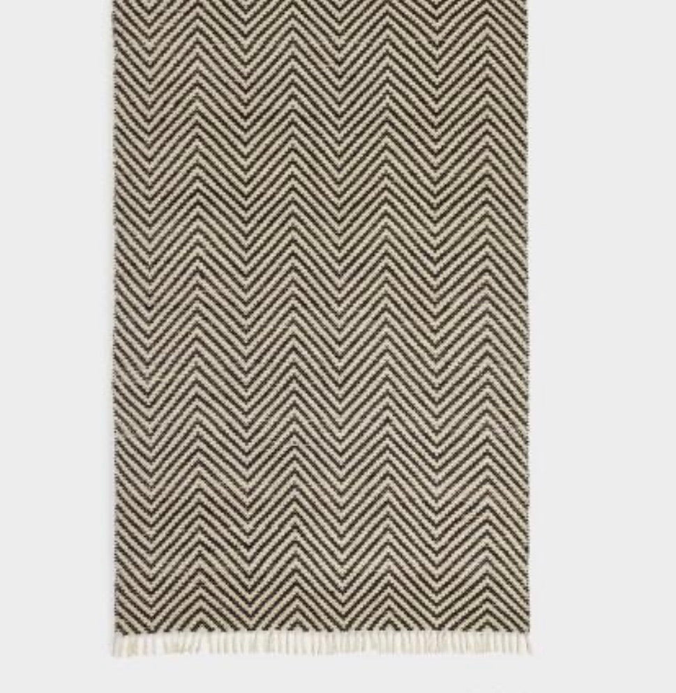Black And Ivory Woven Chevron Indoor Outdoor Rug #727
