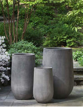 Load image into Gallery viewer, Campania Urban Mews Planter - Fiber Cement #1049