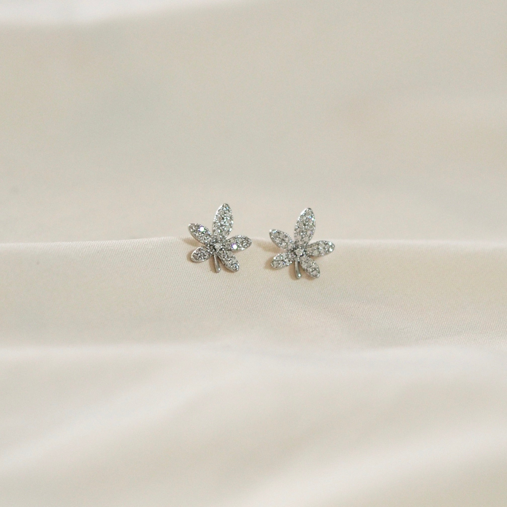 Maple Leaf Earrings Studs (Rose Gold/Silver)