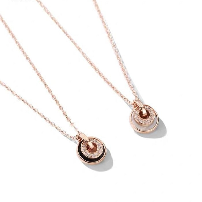 Double Layered Round Pendant Necklace (Black/Shell)