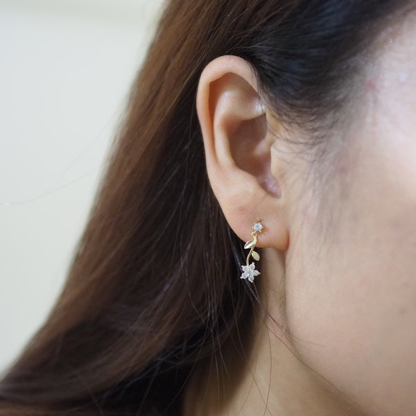 Darice Floral Earrings in Gold