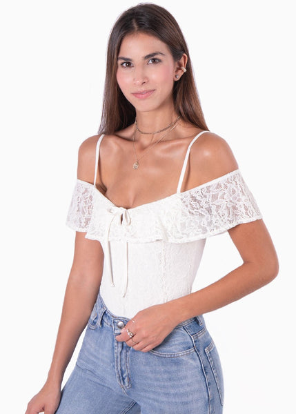 Body de encaje con bolero tiras off shoulder color blanco crudo nudo en escote para mujer Flashy
