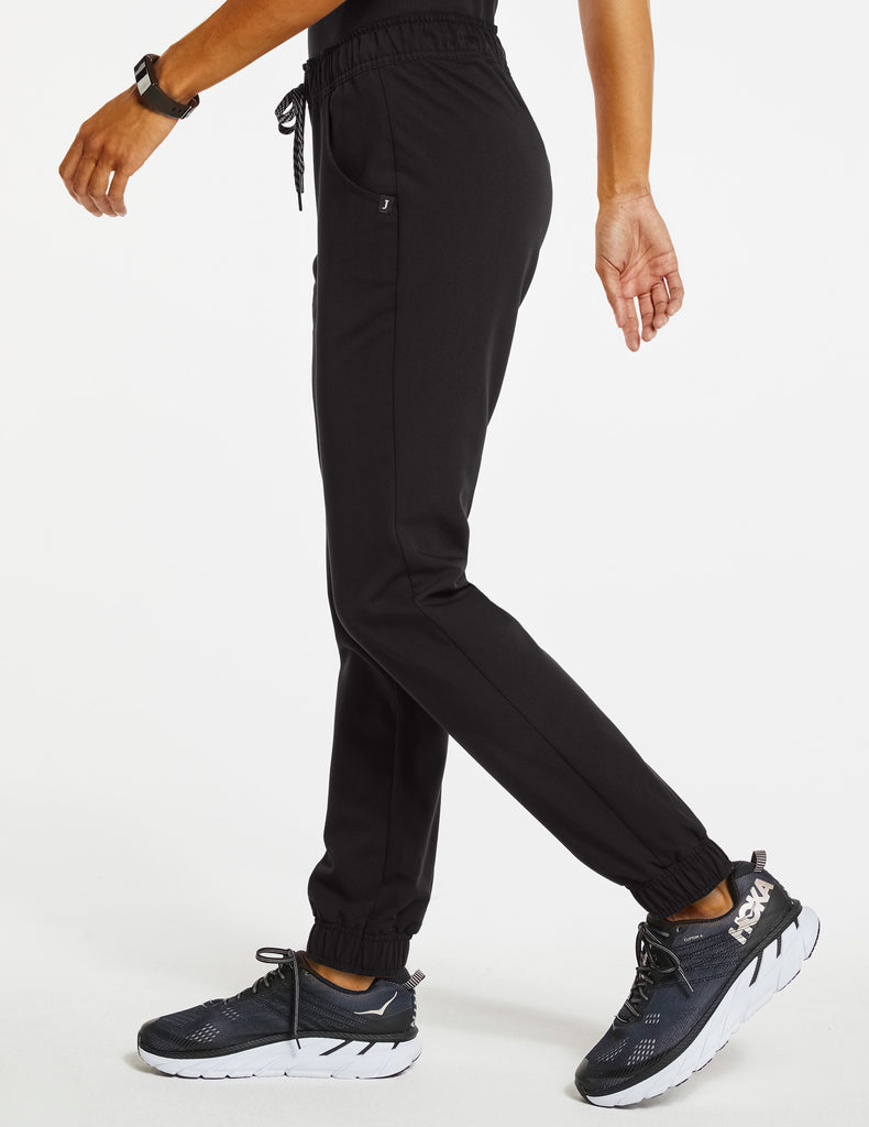 Jaanuu | Women's Essential 5-Pocket Jogger - Black - 3