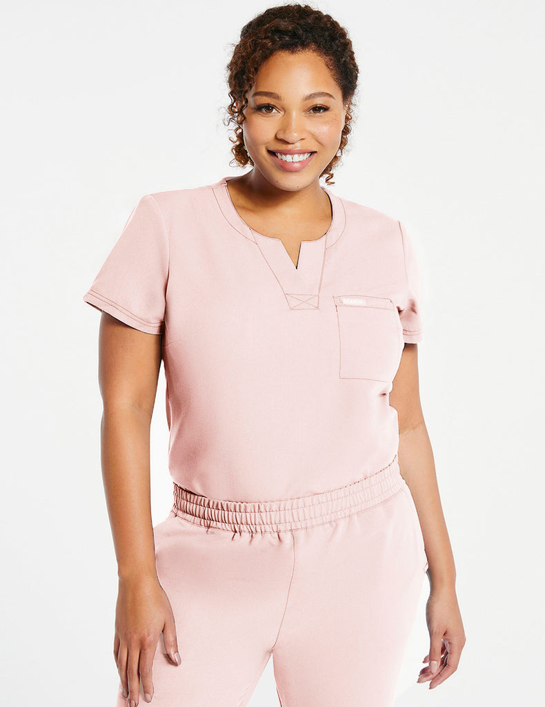 Jaanuu | Women's 1-Pocket Tuck-In Top - Blushing Pink - 1 - Curve