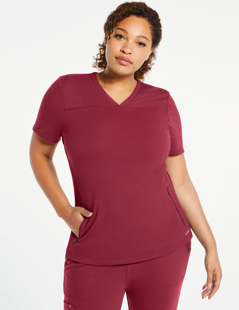 Jaanuu | Women's 2-Pocket Side-Rib Top - Wine - 1 - Curve