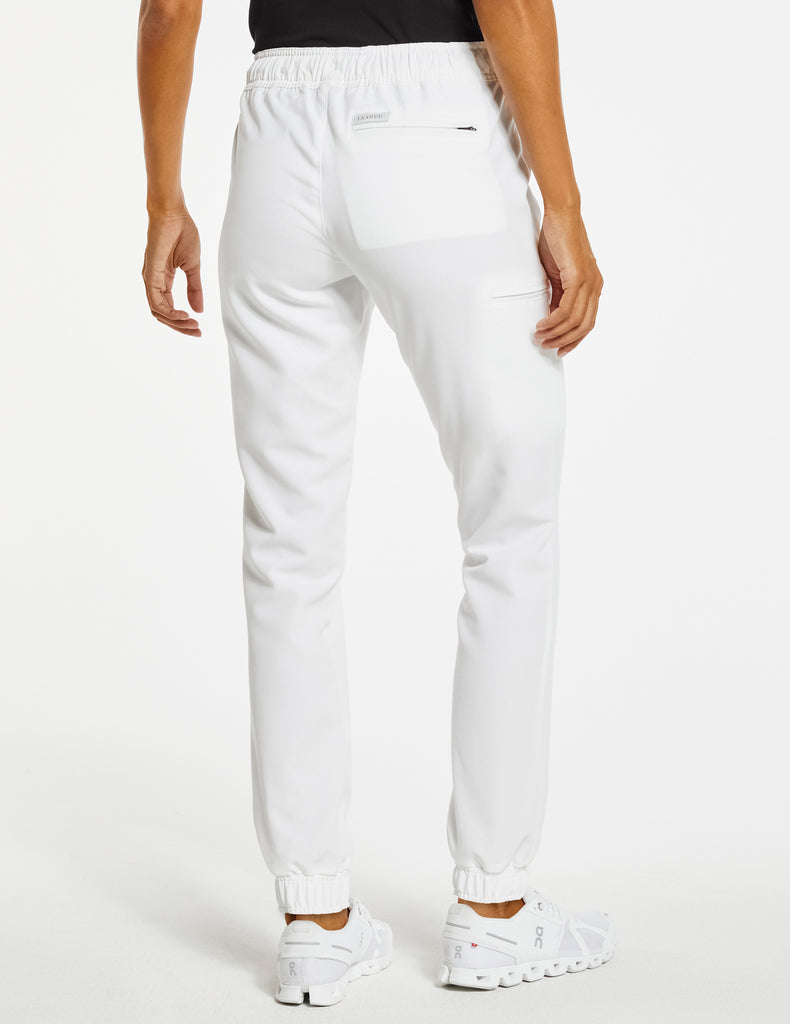 Jaanuu | Women's Essential 5-Pocket Jogger - White - 4