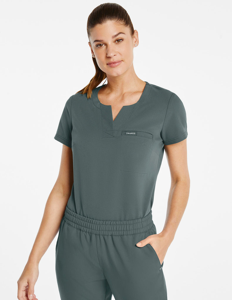 Jaanuu | Women's 1-Pocket Tuck-In Top - Alpine Green - 1