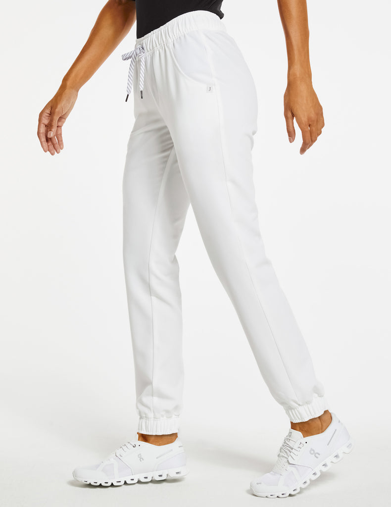 Jaanuu | Women's Essential 5-Pocket Jogger - White - 3
