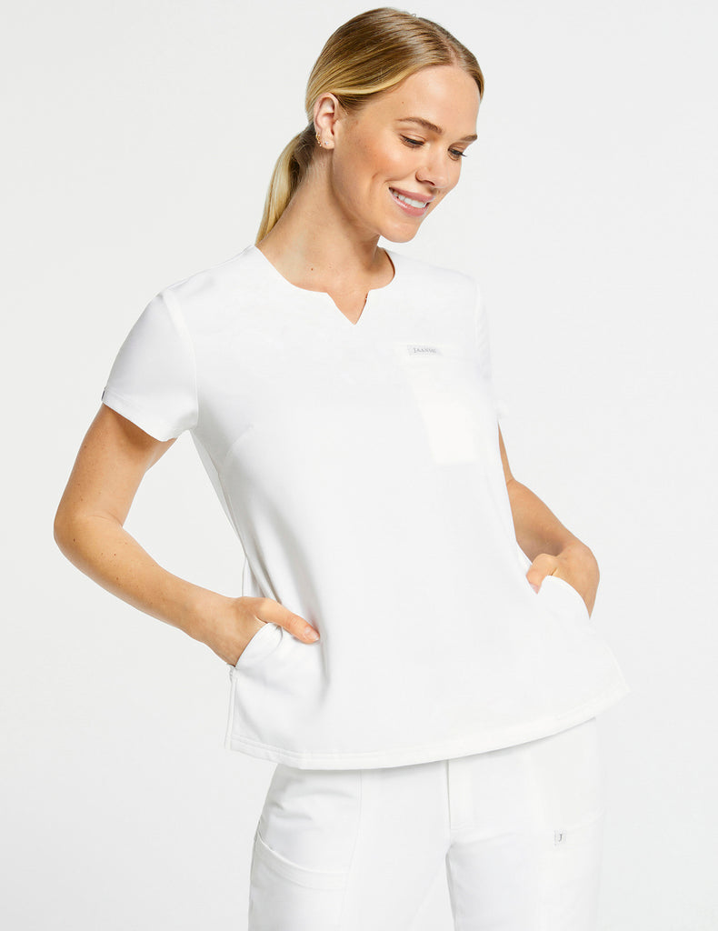 Jaanuu | Women's 3-Pocket Notched Top - White - 1