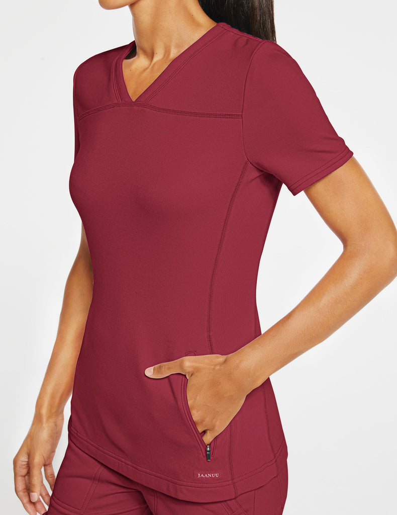 Jaanuu | Women's 2-Pocket Side-Rib Top - Wine - 3