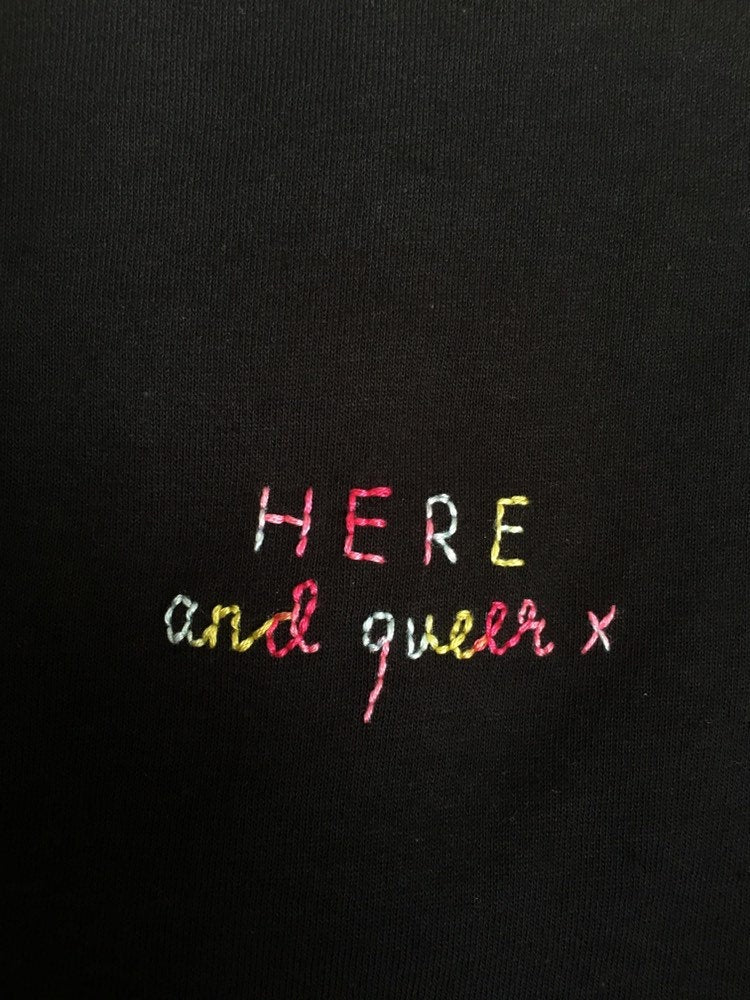HERE AND QUEER X - T SHIRT