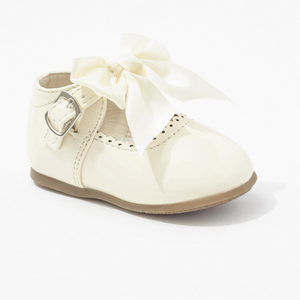 'Kylie' Bow Shoes - Cream