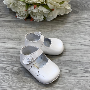 Pretty Originals White/Pearl Pram Shoe