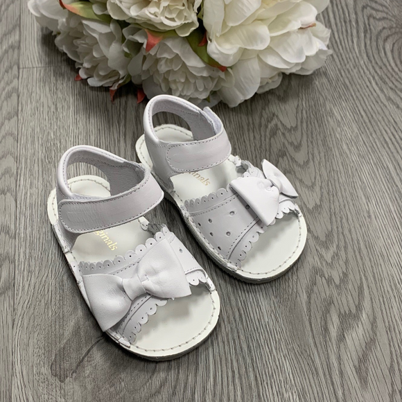 Pretty Originals White/White Bow Sandals