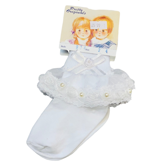 Pretty Originals White Frilly Ankle Sock