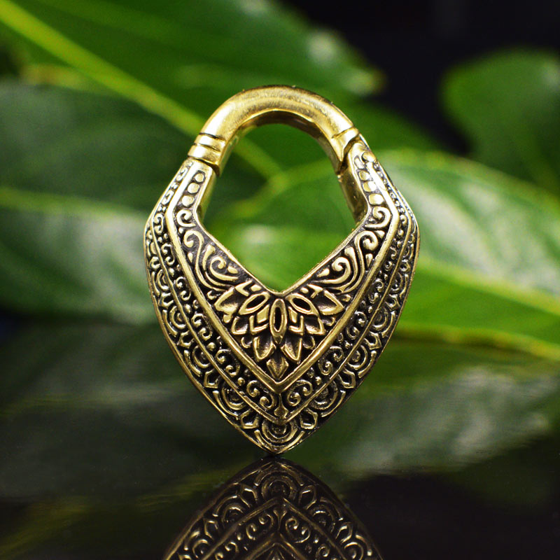 Hinged Ear Weight 'Malwari'