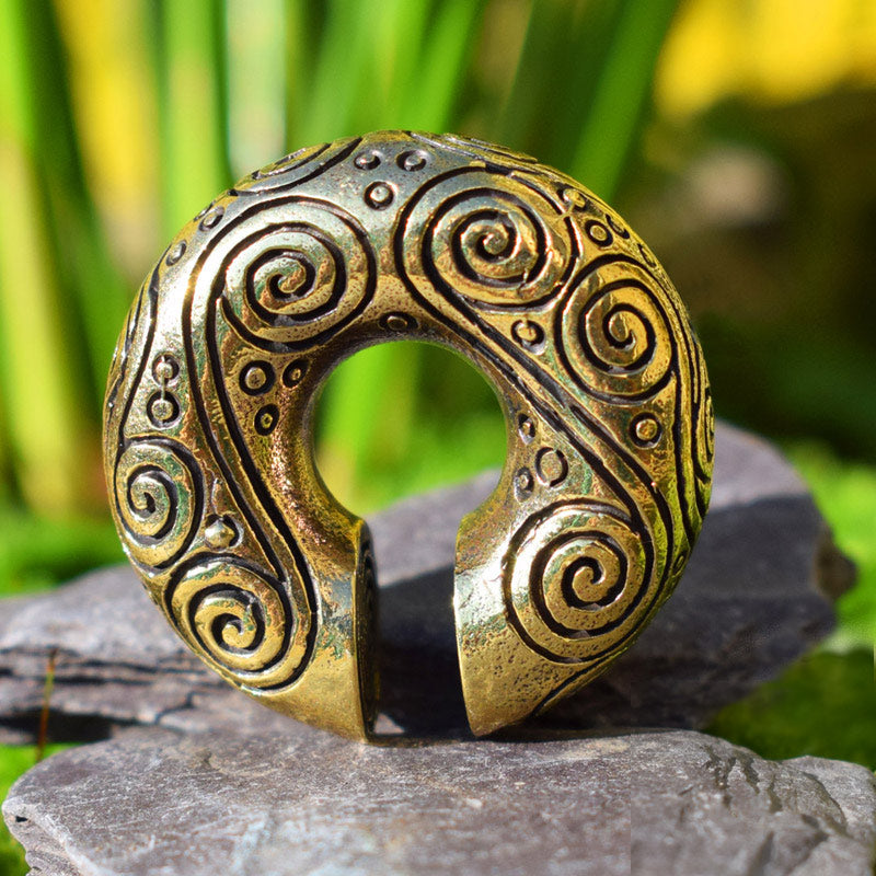 Ear Weights with a Spiral Design