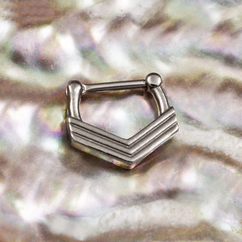 Triple Chevron Septum Clicker