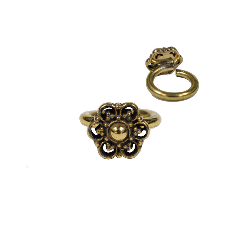 Brass Twist Ring 'Dahita'