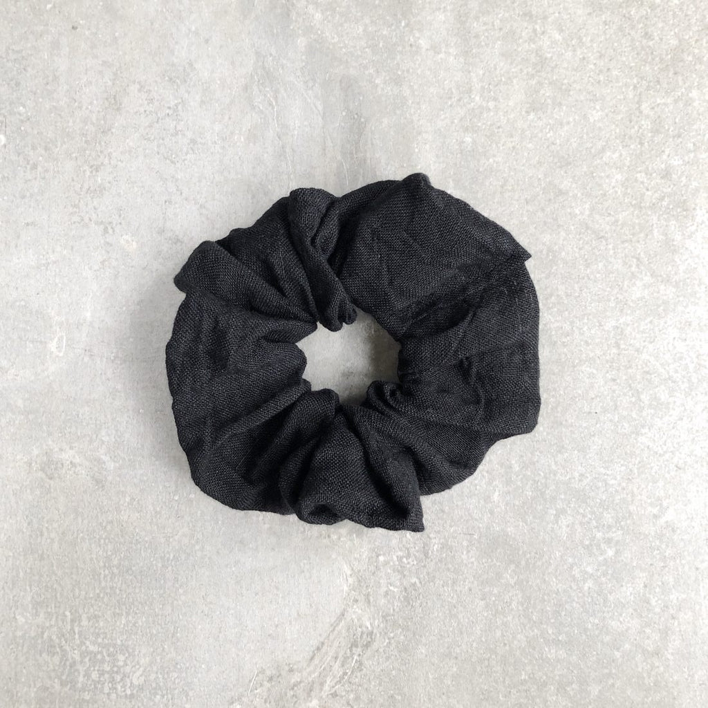Handmade linen scrunchie - The Seed