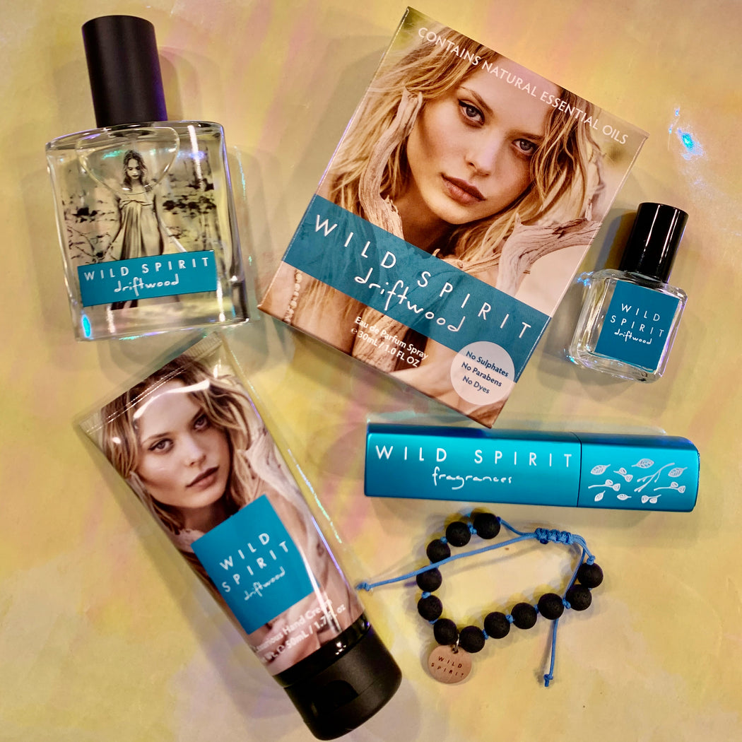 Looking for the perfect gift for your minimalist, beachy bestie? We've got you covered. The Driftwood Lovers Perfume Gift Set gives you Driftwood vibes whenever and wherever you need a little fresh and airy touch-up. With salty ocean notes highlighted by a star jasmine signature enhanced with specialty mint notes, this scent is the epitome of fresh and FABULOUS without even trying.